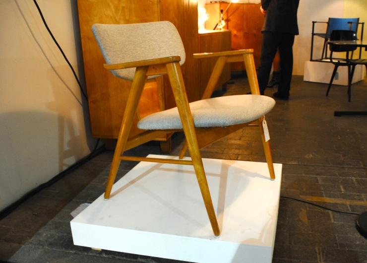 """""""FB16"""" Chair"""
